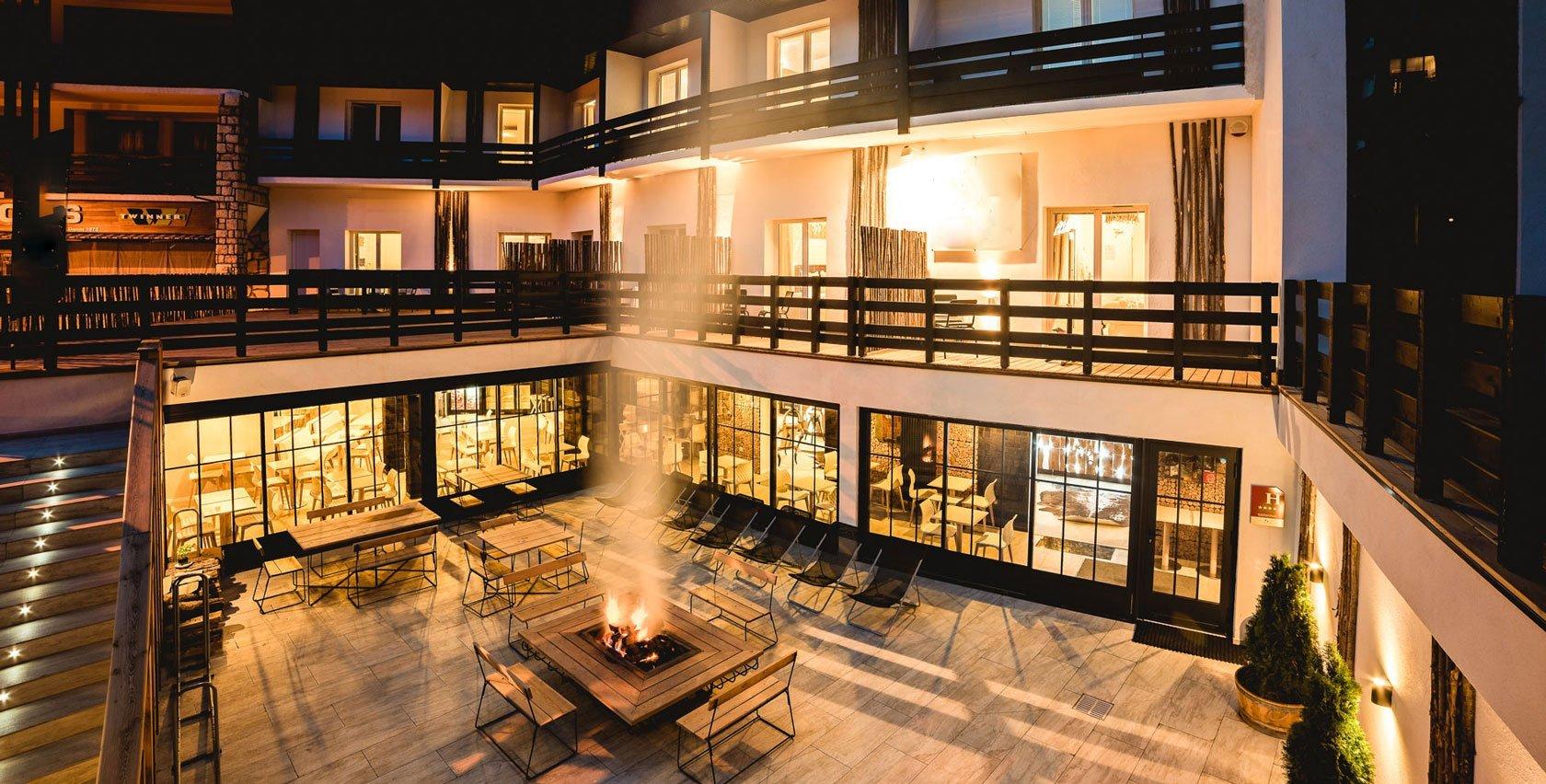 Accueil1-Hotel-Le-Rock-Noir2